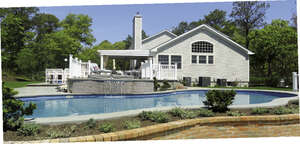 Featured Property in Hampton Bays, NY 11946