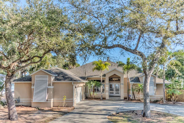 Single Family for Sale at 3481 N. Sylvan Lane Melbourne, Florida 32935 United States
