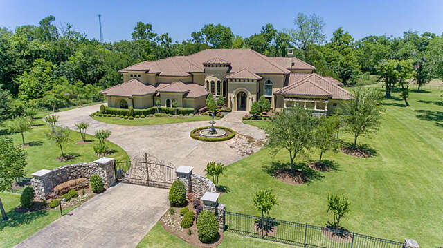 Single Family for Sale at 2618 Forest View Richmond, Texas 77406 United States