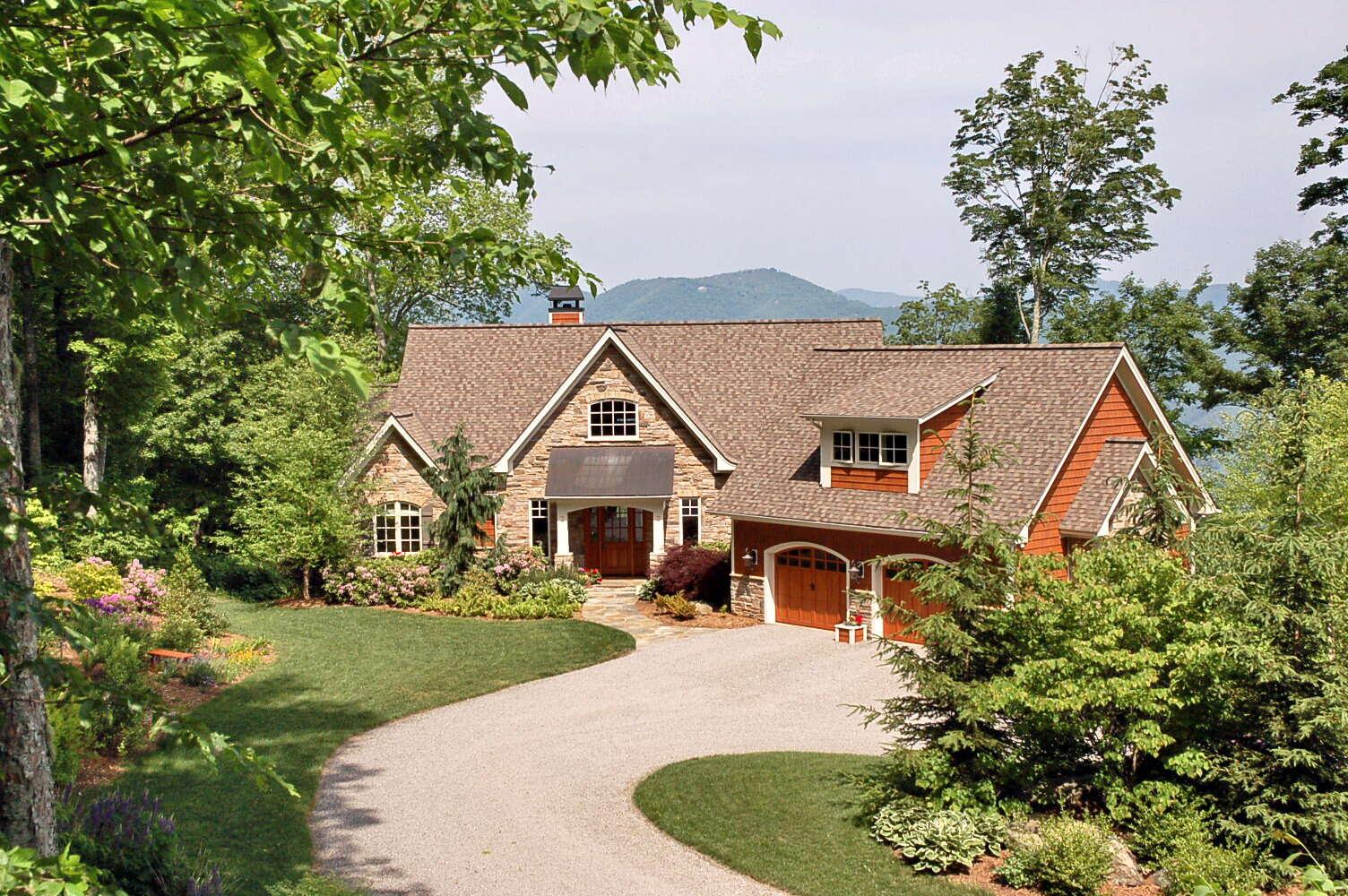 Single Family for Sale at 147 Olympia Lane Waynesville, North Carolina 28786 United States