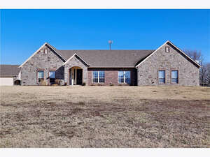 Featured Property in Collinsville, OK 74021