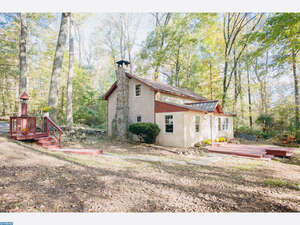 Featured Property in Ottsville, PA 18942