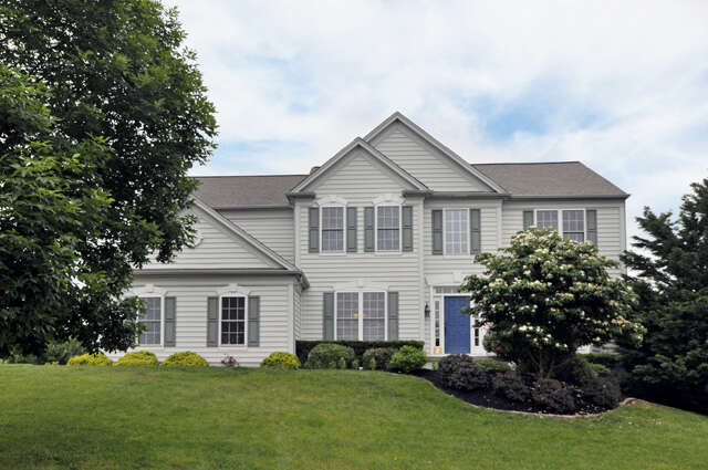 Single Family for Sale at 2820 River Willow Dr Furlong, Pennsylvania 18925 United States