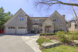 Featured Property in Oakville, ON L6J 3Y6