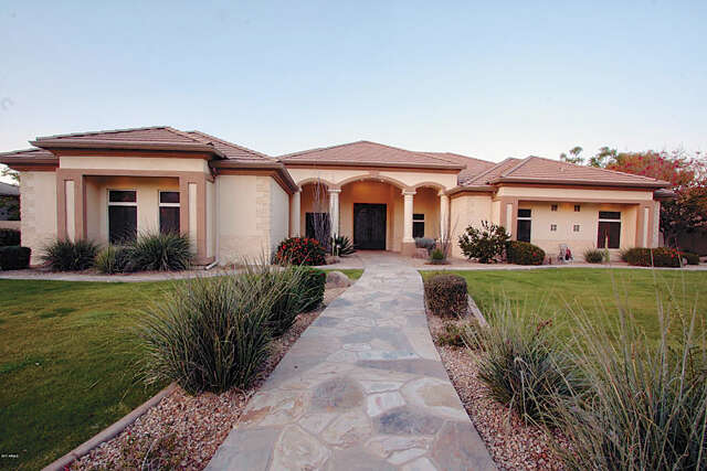 Single Family for Sale at 3002 E Robin Ln Gilbert, Arizona 85296 United States