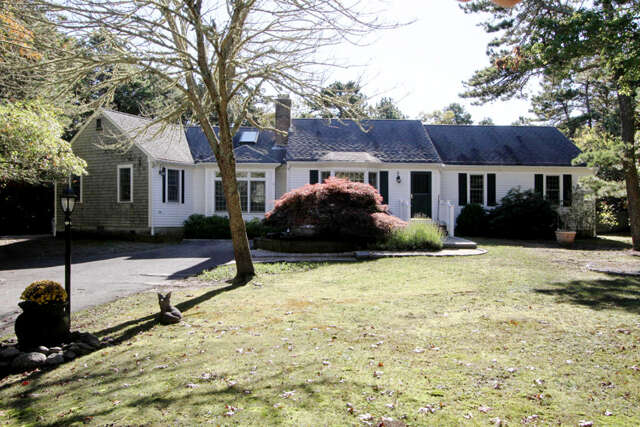 Single Family for Sale at 6 Spences Trace Harwich, Massachusetts 02645 United States