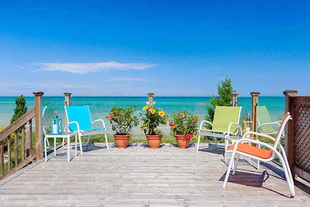Featured Property in GRAND BEND, ON, N0M 1T0