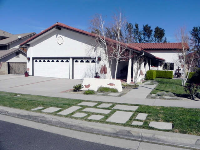 Single Family for Sale at 23321 Happy Valley Drive Newhall, California 91321 United States