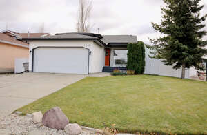 Featured Property in Stony Plain, AB T7Z 1K4