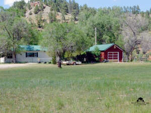 Featured Property in Hot Springs, SD 57747