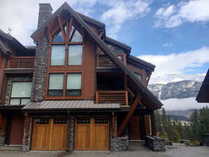 Featured Property in Canmore, AB T1W 0G3