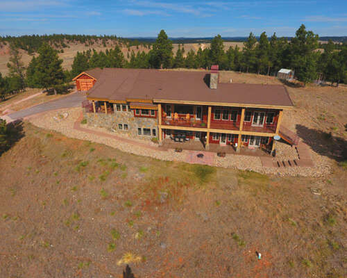 Single Family for Sale at Stage Stop Rd Hot Springs, South Dakota 57747 United States
