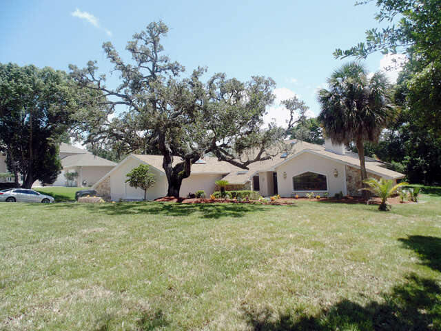 Home Listing at 5050 CUMBERLAND, SPRING HILL, FL