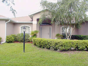 Featured Property in Silver Springs, FL 34488