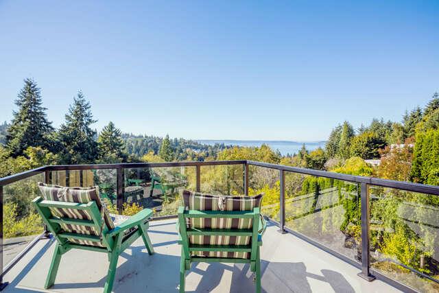 Single Family for Sale at 5000 Seahurst Ave Everett, Washington 98203 United States