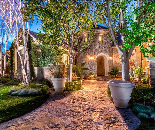 Single Family for Sale at 3865 Prado De La Mariposa Calabasas, California 91302 United States
