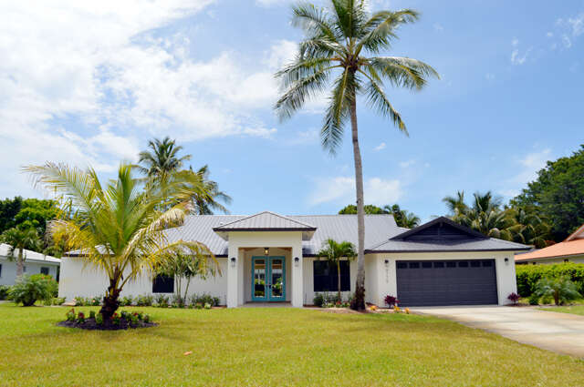 Single Family for Sale at 4775 Crayton Rd Naples, Florida 34103 United States