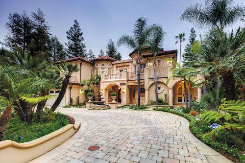 Single Family for Sale at 4428 Woodleigh Ln La Canada Flintridge, California 91011 United States