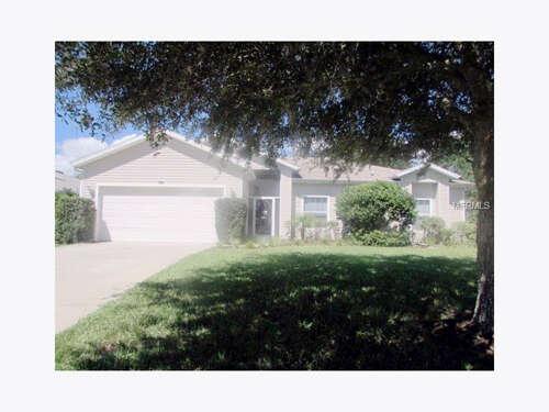 Home Listing at 4952 SAWGRASS LAKE CIRCLE, LEESBURG, FL