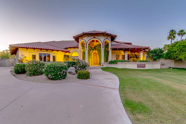 Single Family for Sale at 3720 E Menlo St Mesa, Arizona 85215 United States