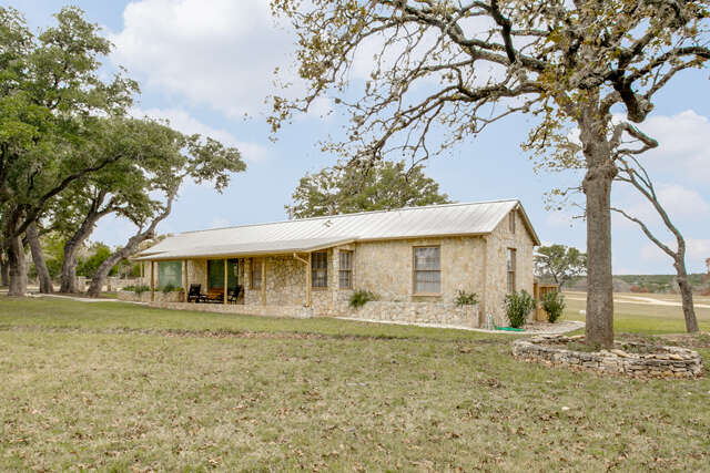 Single Family for Sale at 863 Robindale East Rd Bandera, Texas 78003 United States