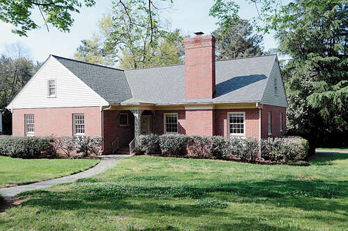 Single Family for Sale at 216 Queen Charlotte Road Richmond, Virginia 23221 United States
