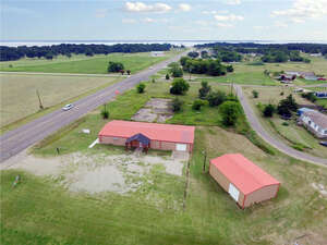 Featured Property in West Tawakoni, TX 75474