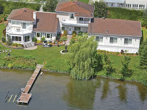 Featured Property in Magog, QC