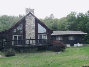 Featured Property in Granville, NY 12832