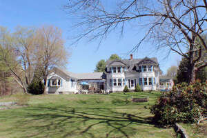 Featured Property in Sandwich, NH 03227