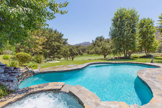 Single Family for Sale at 2702 Ladbrook Way Thousand Oaks, California 91361 United States