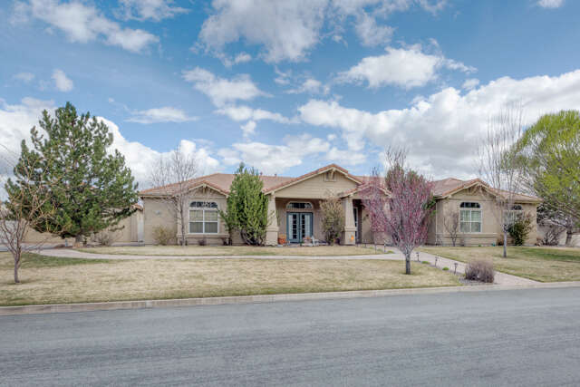Single Family for Sale at 11800 Eagle Peak Drive Sparks, Nevada 89441 United States