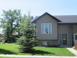 Featured Property in Olds, AB T4H 1E3