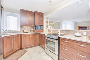 Featured Property in Ottawa, ON K2B 8C8