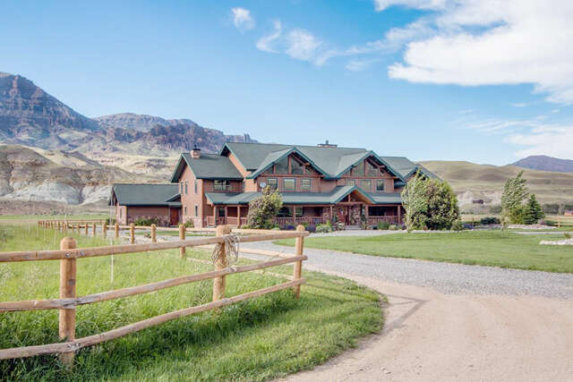 Single Family for Sale at 29 Pack Saddle Tr Cody, Wyoming 82414 United States