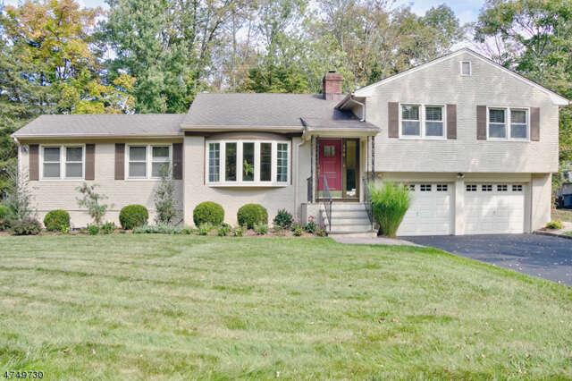 Single Family for Sale at 590 White Oak Ridge Rd Millburn, New Jersey 07041 United States