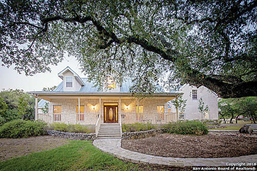 Single Family for Sale at 120 Mystic Oak New Braunfels, Texas 78132 United States