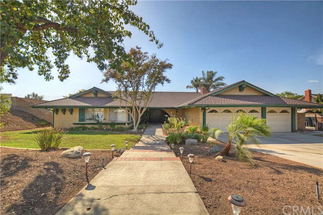 Single Family for Sale at 5551 Clover Hill Drive Yorba Linda, California 92886 United States