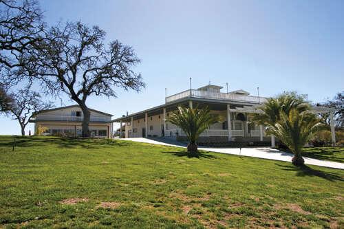 Single Family for Sale at 6685 El Pomar Drive Templeton, California 93465 United States