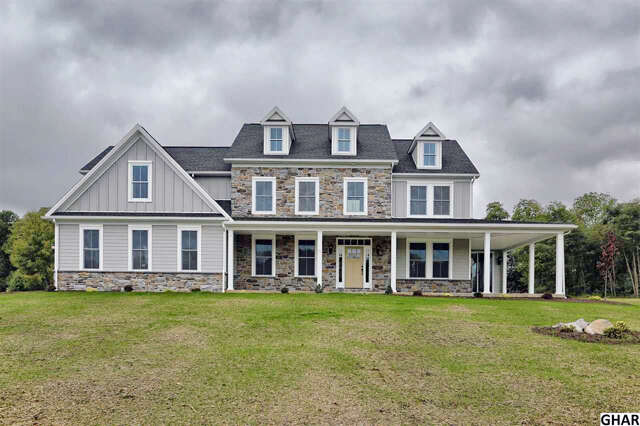 Single Family for Sale at 11 Appian Drive Carlisle, Pennsylvania 17013 United States