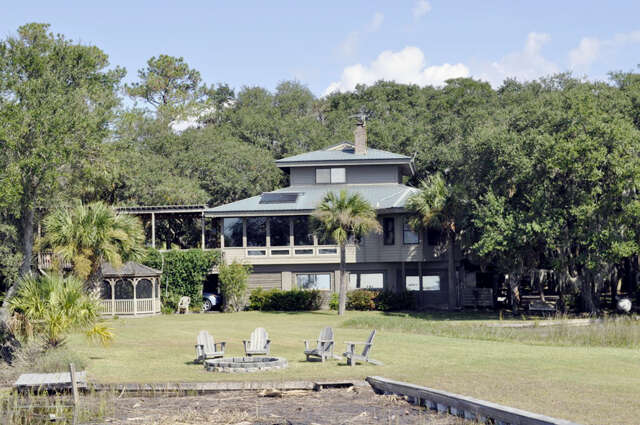 Single Family for Sale at 2 Palmetto Grove Lane Beaufort, South Carolina 29907 United States