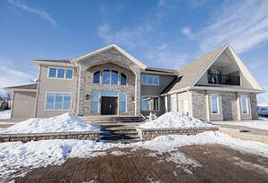 Featured Property in Grande Prairie, AB T8V 5E8
