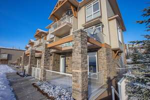Featured Property in Calgary, AB T3L 3A8