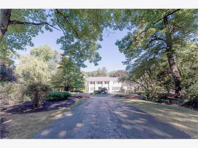 Single Family for Sale at 1583 Saucon Valley Road Bethlehem, Pennsylvania 18015 United States