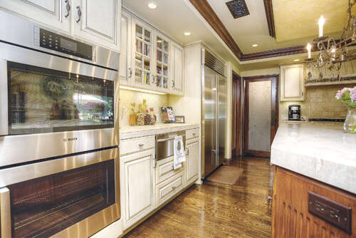 Single Family for Sale at 876 Peninsula Ave Claremont, California 91711 United States