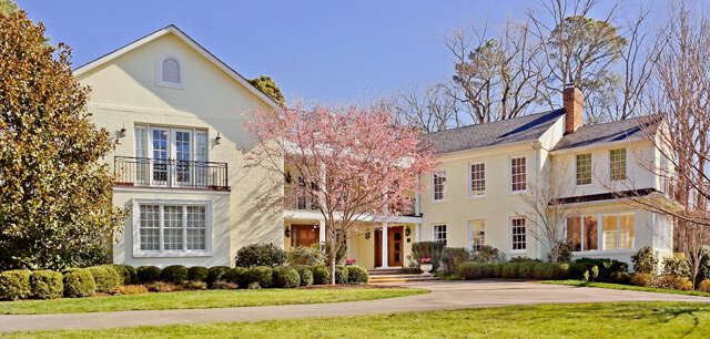 Single Family for Sale at 8 Berkshire Drive Richmond, Virginia 23229 United States