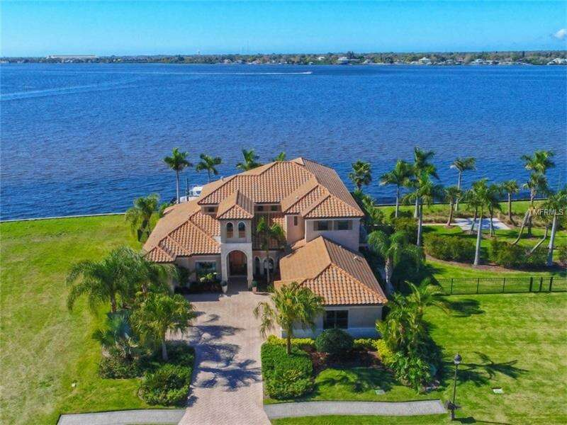 Single Family for Sale at 632 Regatta Way Bradenton, Florida 34208 United States