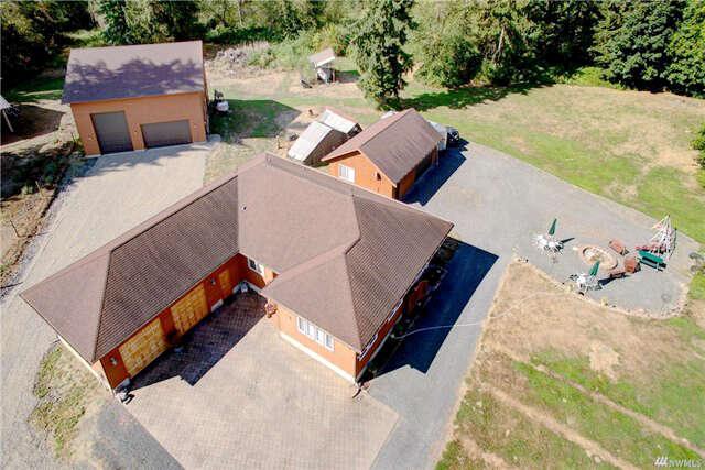 Single Family for Sale at 17212 Engebretsen Rd Granite Falls, Washington 98252 United States