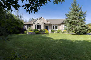 Featured Property in Manotick, ON K4M 0A2