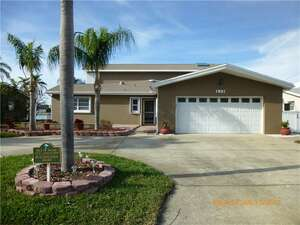 Featured Property in Treasure Island, FL 33706